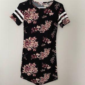 Floral print midi t-shirt dress